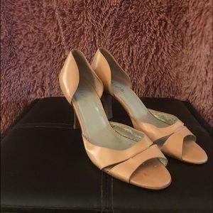 Unisa tan heels.